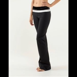 LULULEMON Groove Yoga Wide Leg Pant Black & White